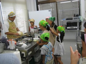 2011夏休み子どもクッキングの様子02